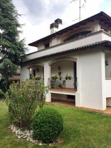 Villino indipendente a Cadiroggio