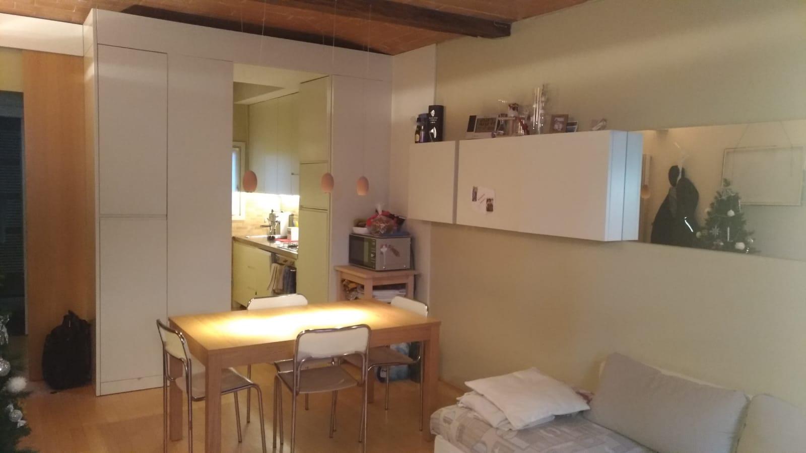 Appartamento ristrutturato e arredato caseloft s r l for Appartamenti ristrutturati